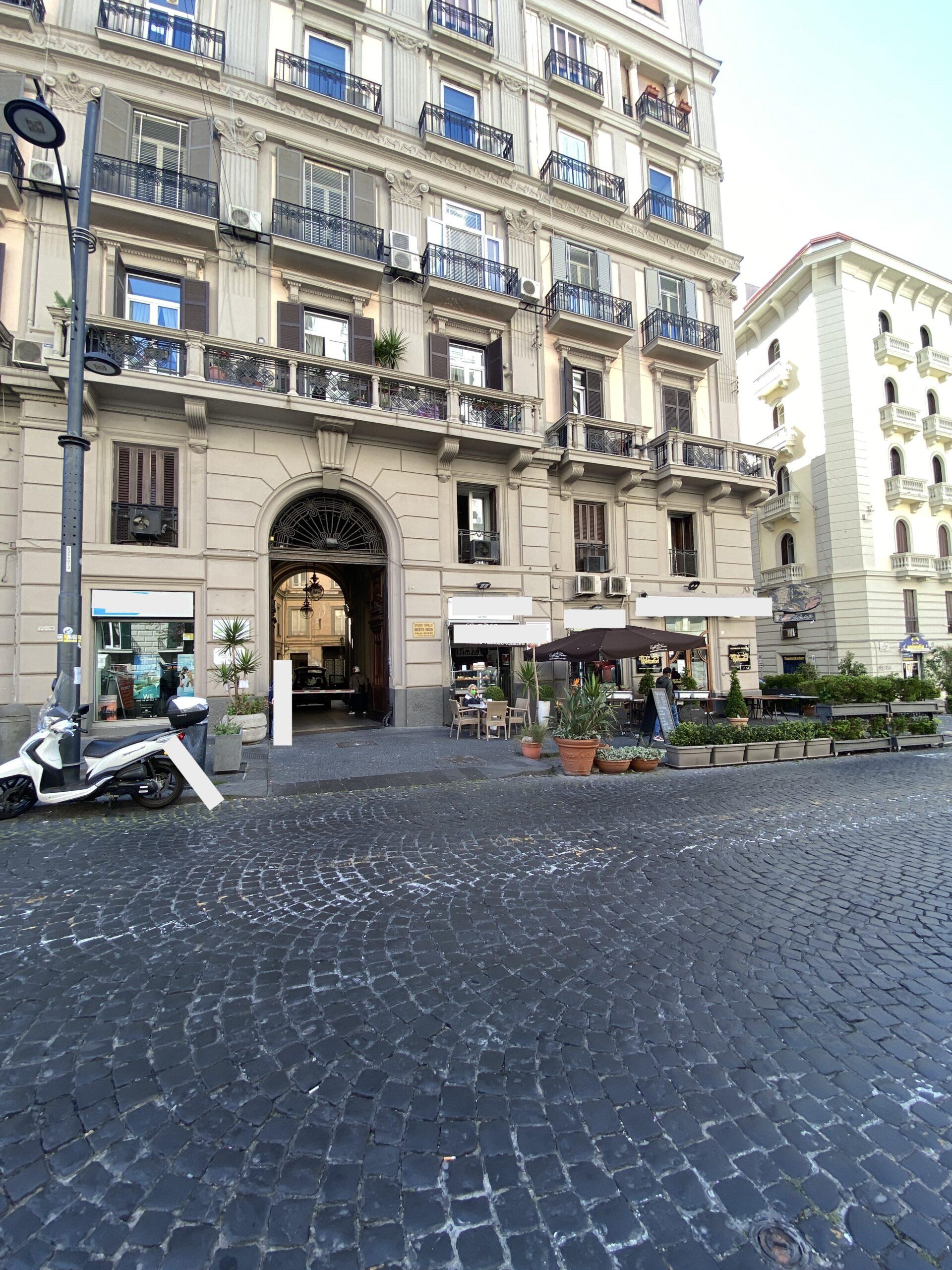 Napoli chiaia  via Santa Lucia