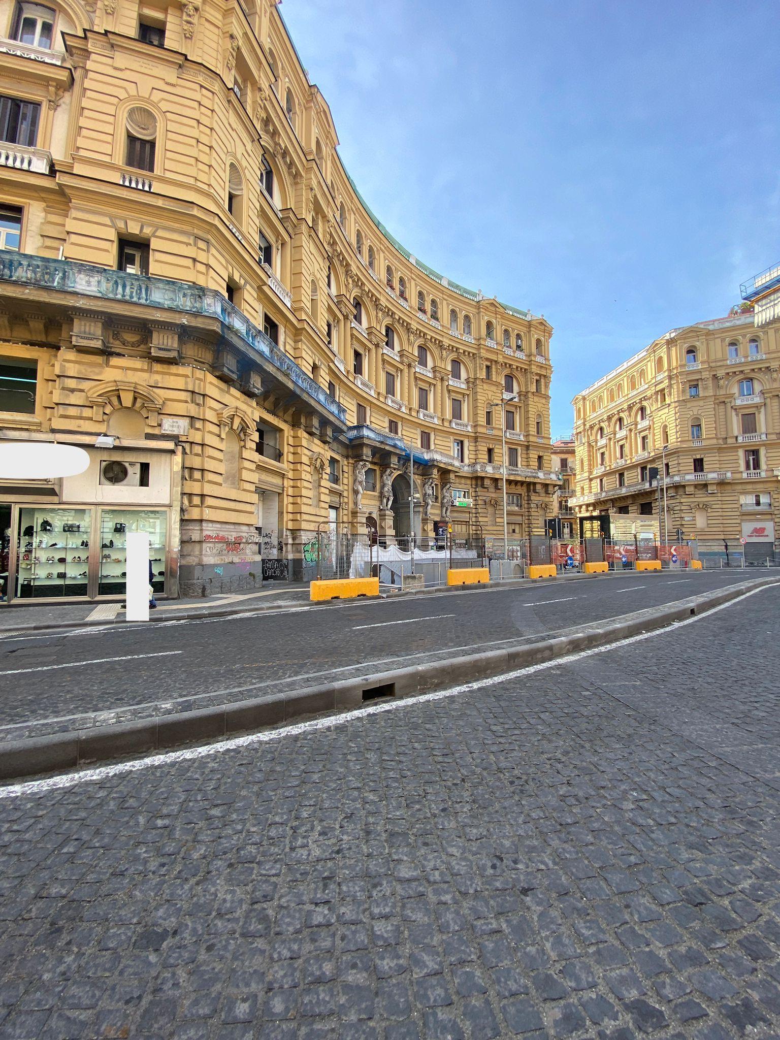 Napoli Corso Umberto – Piazza Nicola Amore Tabaccheria cedesi